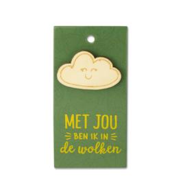 Houten Broche op cadeaukaartje - in de wolken