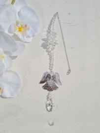 Kristallen met zilverkleurig engeltje en regenboogkristal hartje - 37 cm