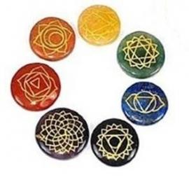 Chakra ronde edelstenen met symbolen