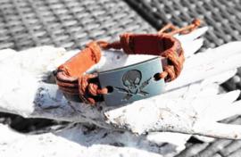 Armband - donkerbruin met doodshoofd