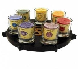 Sfeerlicht set waxinelichthouder Pentagram met 7 chakrakaarsen in glas