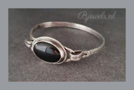 Handgemaakte zilveren armband met onyx