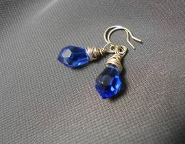 Oorbellen kort, zilver/kristal kobalt blauw