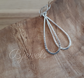 Handgemaakte zilveren oorbellen