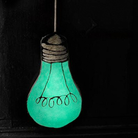 Kussen Le Petit M glow in the dark lightbulb