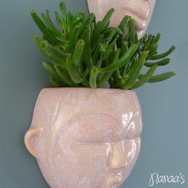 Wand bloempot 'Mask round' roze