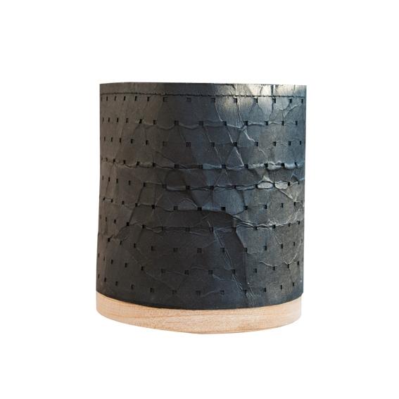 Potje zwart houten voet