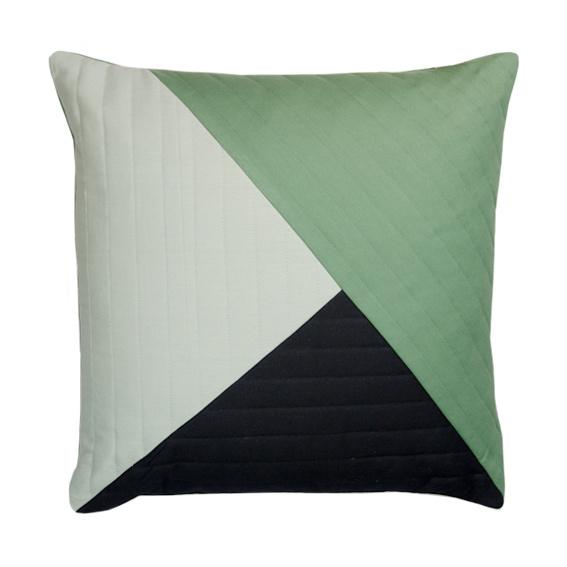 Kussen 'Quilted Triangle' groen