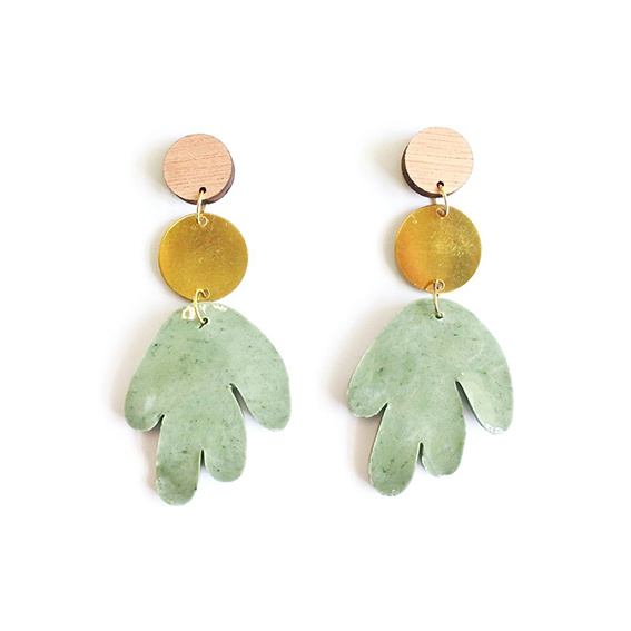 Oorbellen porselein 'Coral green'
