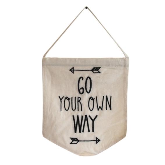 Wandbanner 'Go your own way'