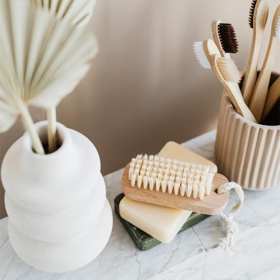 Marmer in je interieur, palmbladeren, marmer badkamer | Nanaa's