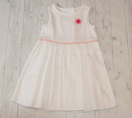 Wit jurkje met applicatie