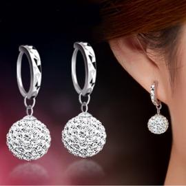 Zilveren oorringen met strass-hanger