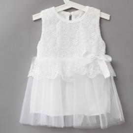Wit jurkje van kant met tule rok in maat 74