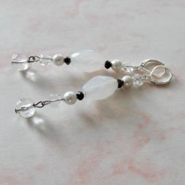 Kleine hartjes van glas met acryl en kristal (7,5 cm lang)