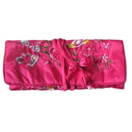 Roze  sieraden-tasje van Chinese zijde