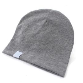 Muts van zacht tricot katoen in grijs voor maat 62-68