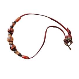 Suède halsband met kralen van hout en brons (41,5 cm lang)