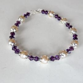 Armband van parelkralen met violet kristal (19,5 cm)