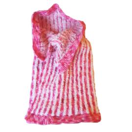 Zachte deken, gebreid in roze-met-wit-gestreept  (75 x 51)
