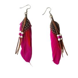 Donker-roze veren en kraaltjes (ongeveer 8 cm)