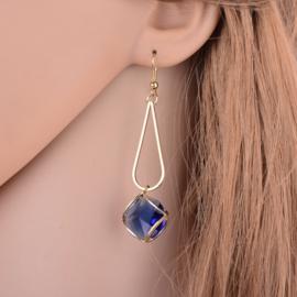 Goudkleurige hanger met blauw