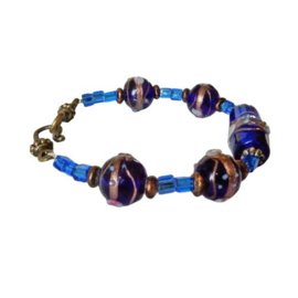 Armband van koningsblauwe Muranoglaskralen  (20 cm lang)