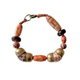 Oranje suède armband met hout en brons (17,5 cm lang)