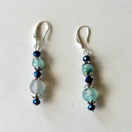 Aventurijn met blauw metallic glaskraaltjs + brede zilveren haakjes