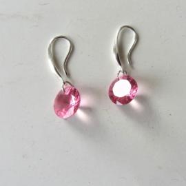 Zilveren oorbellen met roze hanger van acryl