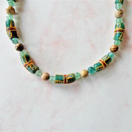 Halsketting van bruine jaspis, jade en 7 handgemaakte Afrikaanse kralen (45,5 cm lang)