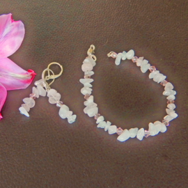 Armband en oorbellen van rozenkwarts (18 cm en 4,5 cm lang)