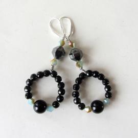 Hippie-oorbellen van onyx met kristal