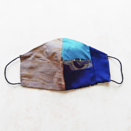 Taupe-zijde/patchwork zijde-cool wool mondkapje (double face) met dun zwart elastiek