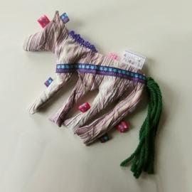 Gestreept circuspaardje met kruiden (droomkussentje)