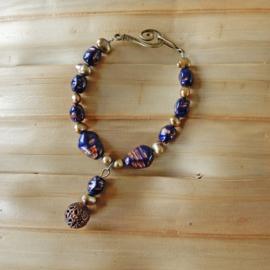 Blauwe goudsteen en zoetwaterparels (19 cm lang)