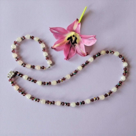 Ketting + armband van rozenkwarts en kristal(48 cm en 18,5 cm lang)