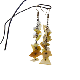 Oorbellen van brons met parelmoer en kristalletjes (9 cm lang)