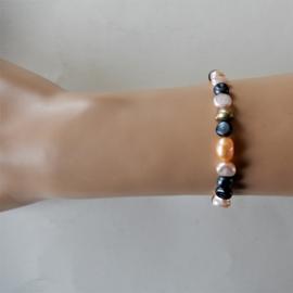 Zwarte, roze en oranje zoetwaterparels (18 cm)