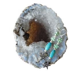 Houten kraal met pareltjes en bloemkralen