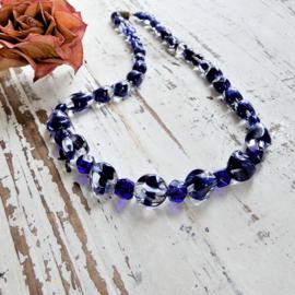 Halsketting van Venetiaans glas in blauw (44 cm lang)