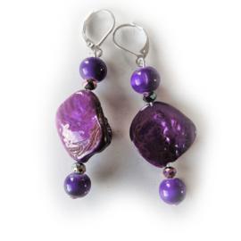 Parelmoer in paars met paarse glaskralen en kristal (6 cm lang)
