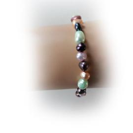 Armband van verschillende kleuren zoetwaterparels (18,5 cm)