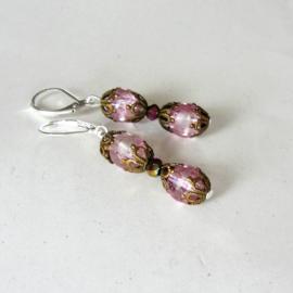 Roze kristallen met een kleine kristal