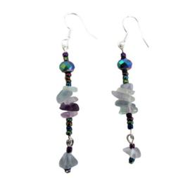 Lange oorbellen met fluoriet en multicolor glassteentjes
