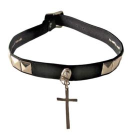 Leren halsband met een kruis, noppen en gesp-sluiting (33 - 37 cm lang)