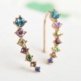 Goudkleurige oorbellen met verschillend gekleurde steentjes