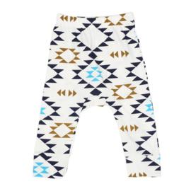 Broekje van zachte tricot katoen met blauw en bruin in maat 74