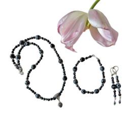 Ketting + armband + oorbellen van sneeuwvlokobsidiaan en kristal (46 en 19 cm lang)