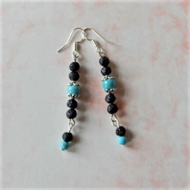 Ketting + armband + oorbellen van turkoois met lavasteentjes (ketting, armband en oorbellen)